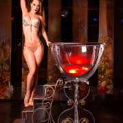Аэлита — профессиональная танцовщица стриптиза