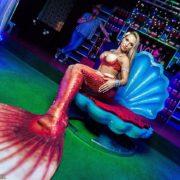 Живая русалка — Встреча гостей